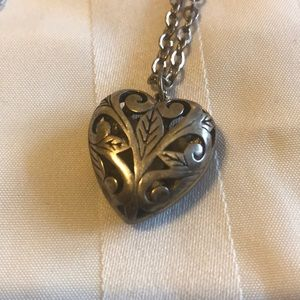 Jewelry - Vintage Silver Heart Pendant Necklace